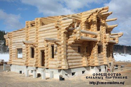 Бригада сибирских мастеров плотников